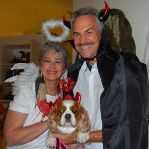Phyllis, Colle and Dolly Davis wish you a HAPPY HALLOWEEN.